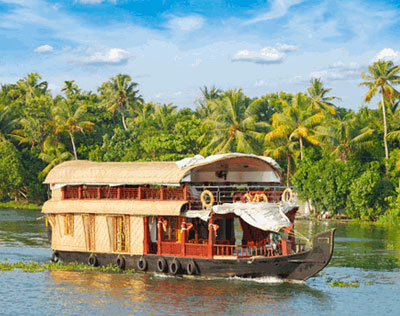 Houseboat Experience in Backwaters of Kerala